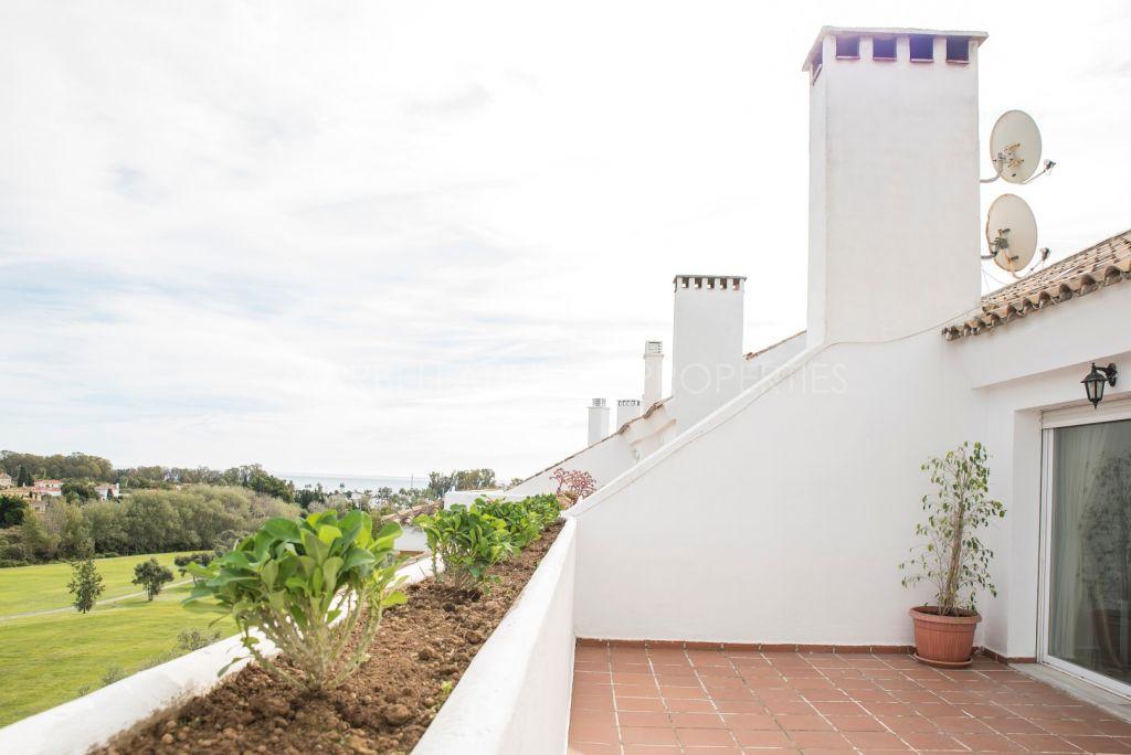 An immaculate duplex penthouse in Guadalmina Baja