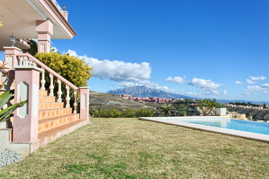 A large luxurious villa for sale and for rent in Los Flamingos Golf, Benahavis