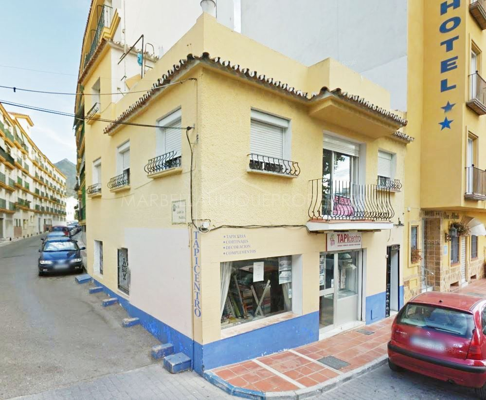 Apartment including commercial premises for sale in the center of Marbella