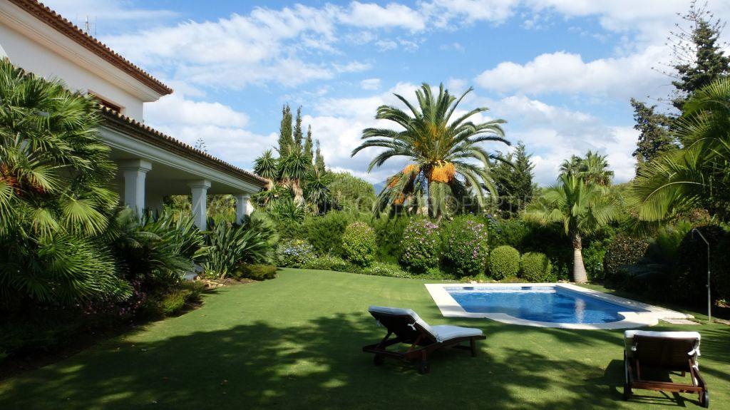 Top quality family villa second line to the golf in Las Brisas, Nueva Andalucia