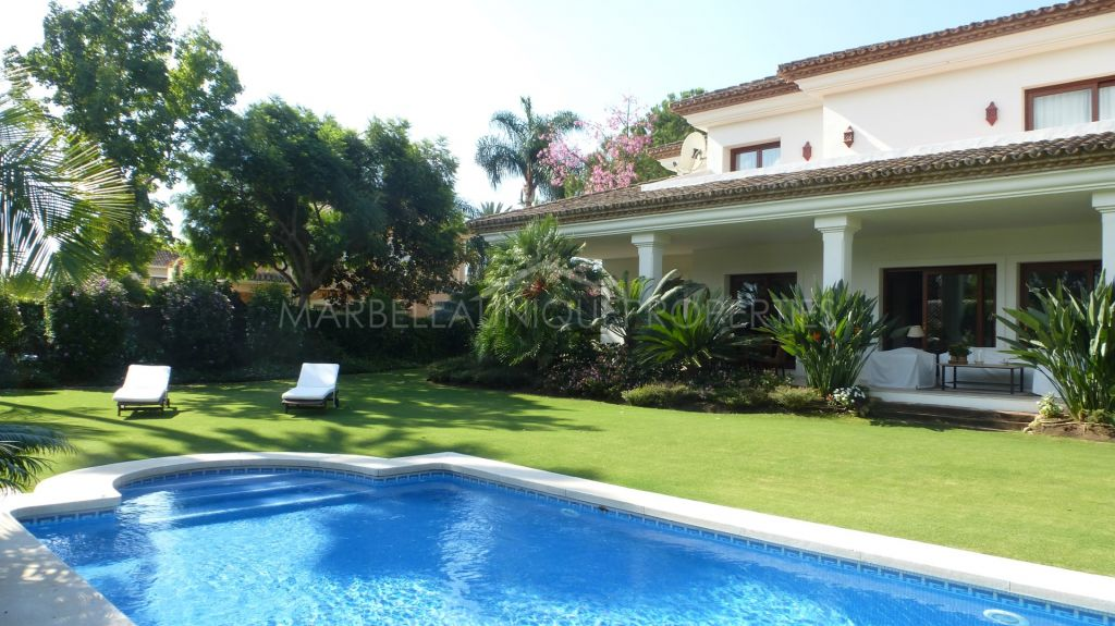 Top quality family villa second line to the golf in Las Brisas, Nueva Andalucia