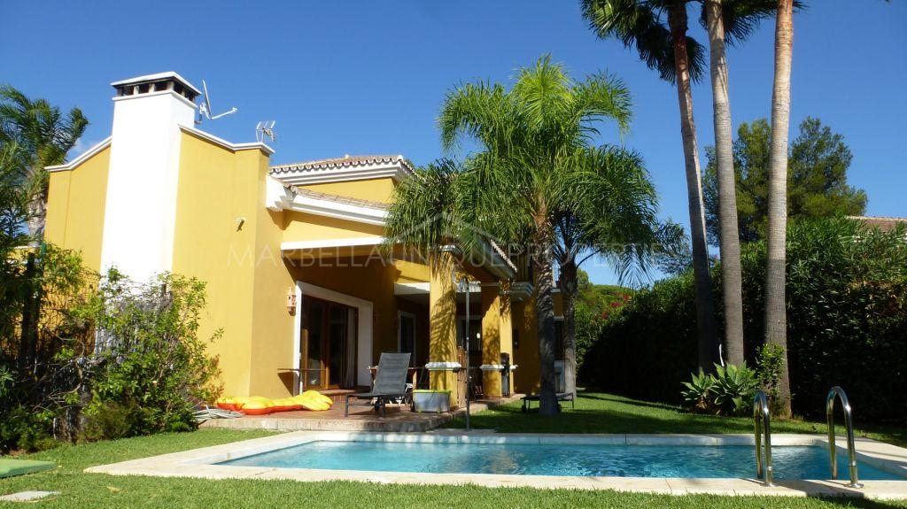 A warm family home for sale in Rocio de Nagueles