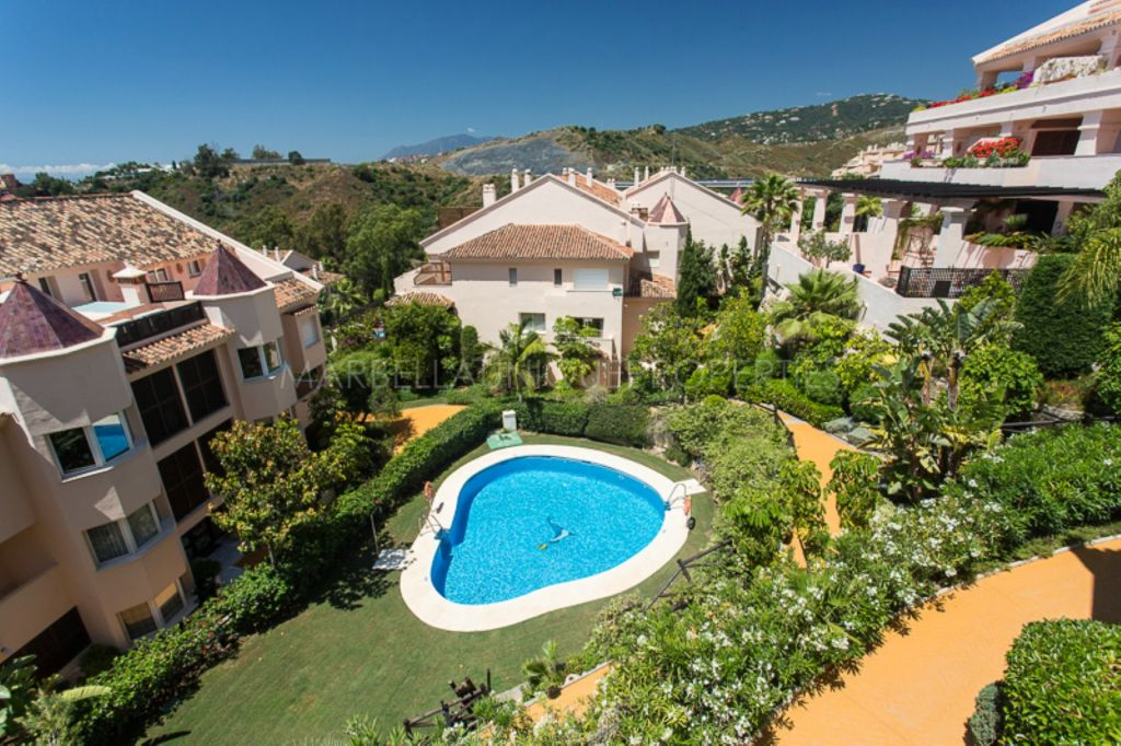 Elegant 3 bedroom duplex penthouse in Albatross Hill Club, Nueva Andalucia