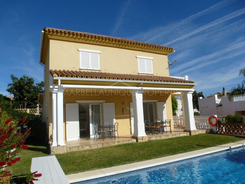 Bright and modern beachside villa in Las Chapas, Marbella East