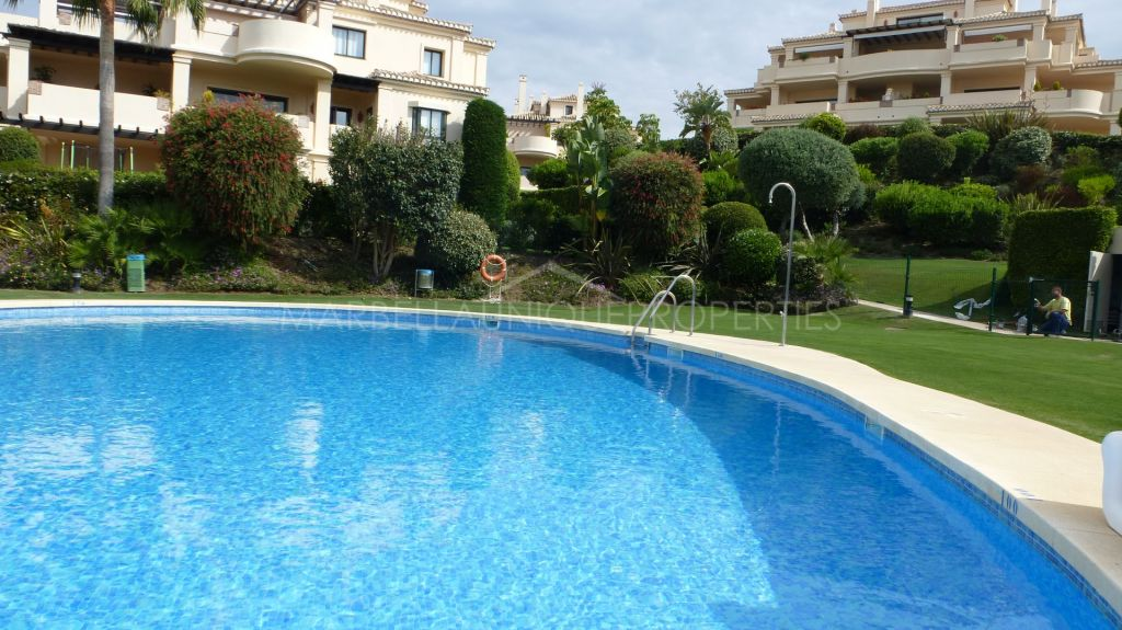 Duplex penthouse for sale with wonderful sea and golf views in Benahavis