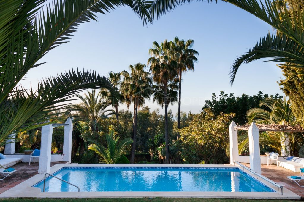 Important villa in Marbella Hill Club inspired by Marbella in the 80's