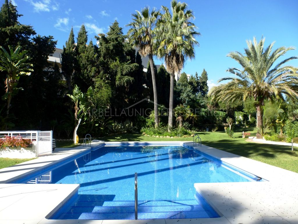 Reformed 3 bedroom beachside apartment in Puerto Banus