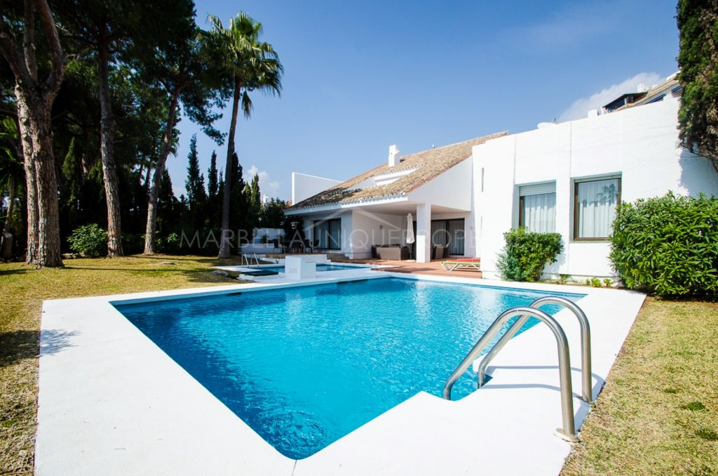 Beachside refurbished villa in Villa Marina, Puerto Banus