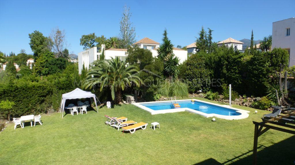 Delightful 4 bedroom corner villa in Lagomar, Nueva Andalucia
