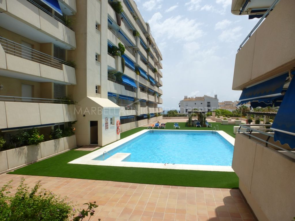 A classical style quality apartment in Marina Banus, Puerto Banus