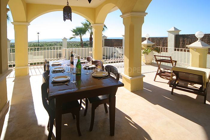 Spectacular frontline beach townhouse in Lorea Playa