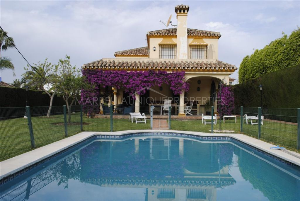 Lovely family villa for rent in Marbella town centre