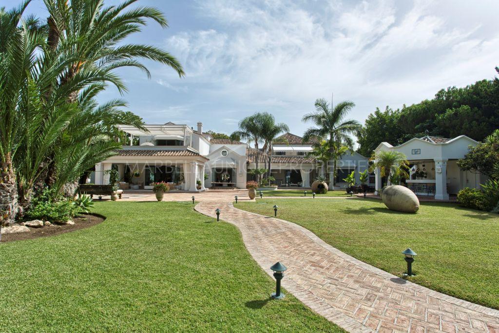 Sublime private residence in Guadalmina Baja