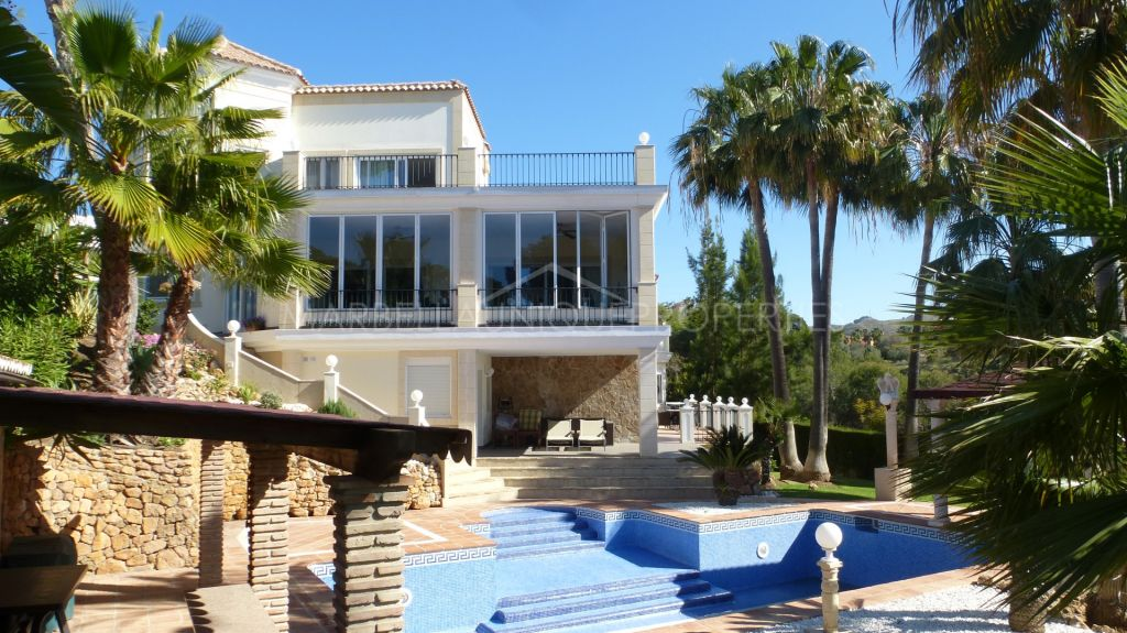 Fabulous villa with amazing sea views in Hacienda Las Chapas
