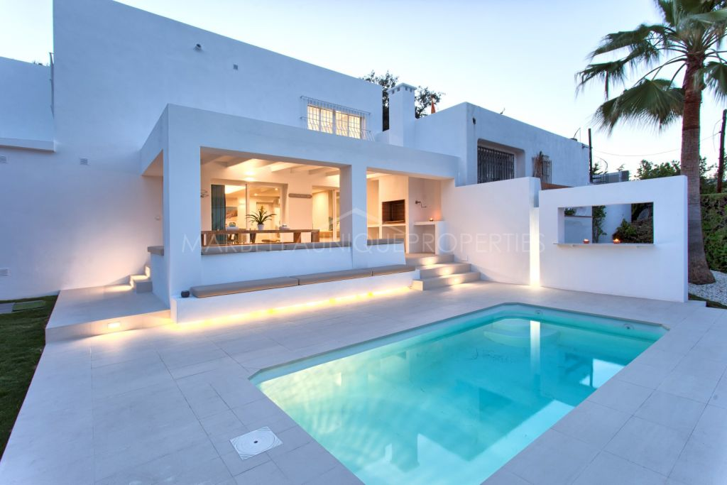 Brand new 5 bedroom villa in Nueva Andalucia walking distance to Puerto Banus