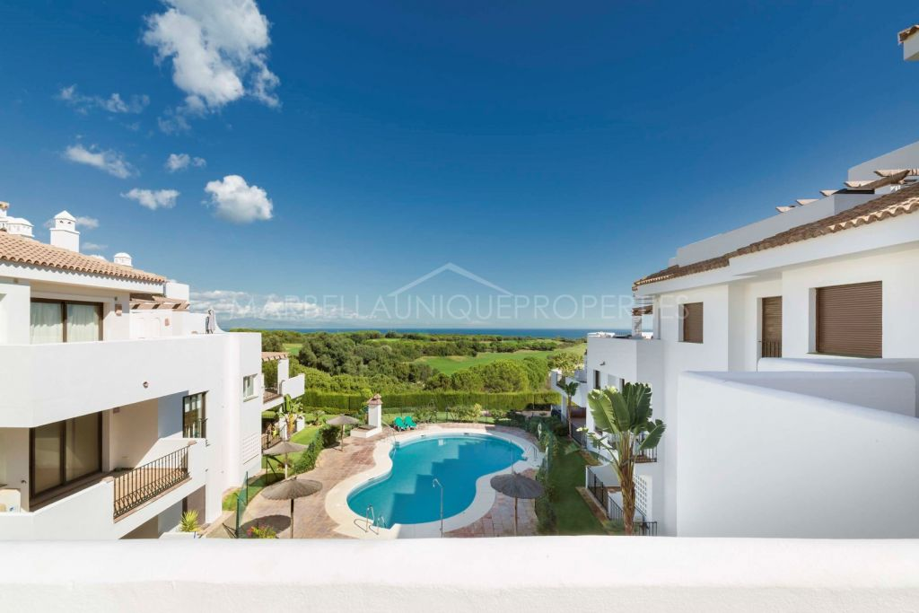 Beachside frontline golf townhouse in Alcaidesa Birdie Club