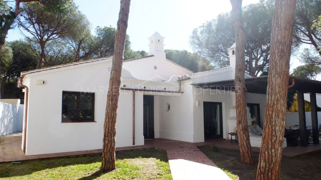 Traditional Andalusian style white villa in Elviria