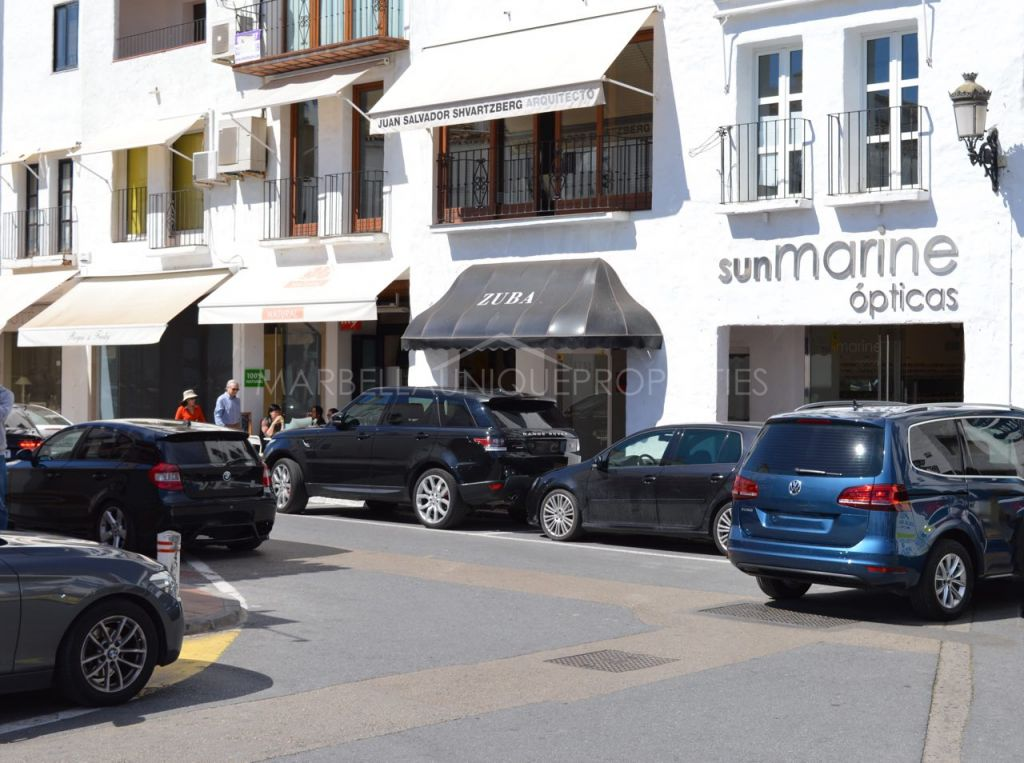 Prominent south facing commercial space in Puerto Banus