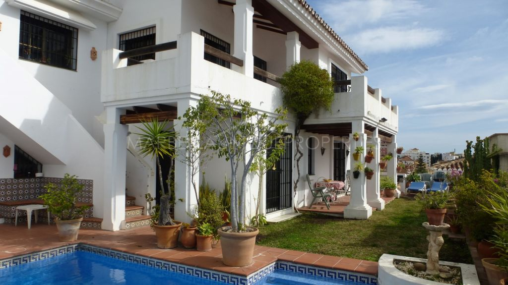 Lovely 4 bedroom villa in the centre of Marbella with stunning sea views