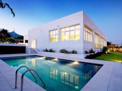 State of the art modern home in Marbella town