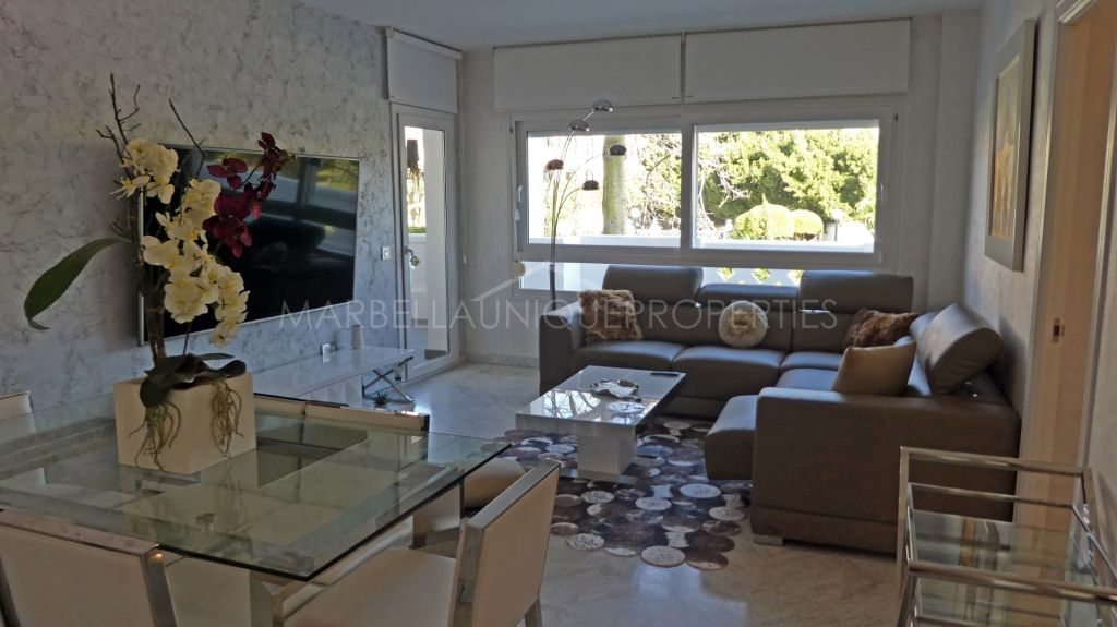 Modern 3 bedroom ground floor apartment in Playa Rocio