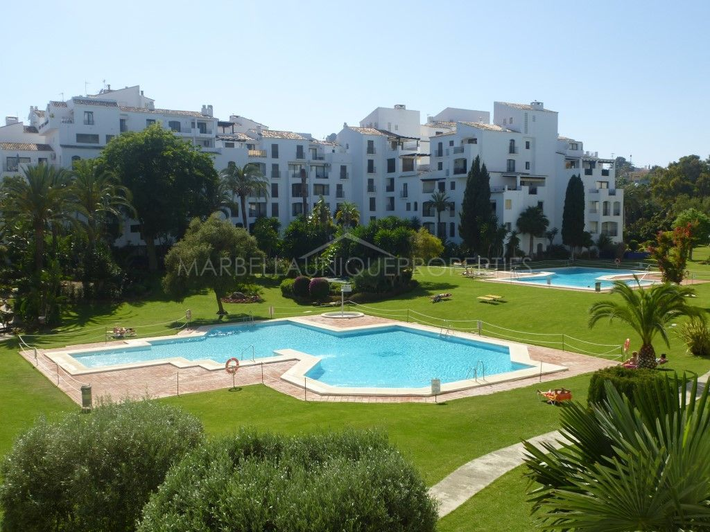 Luminous apartment with lovely views in Las Terrazas de Banus