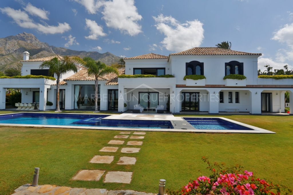 Majestic spacious villa with spectacular views in Sierra Blanca