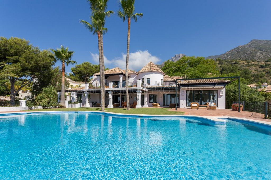 Spectacular mansion in Sierra Blanca