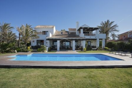 Villa for rent in Marbella East
