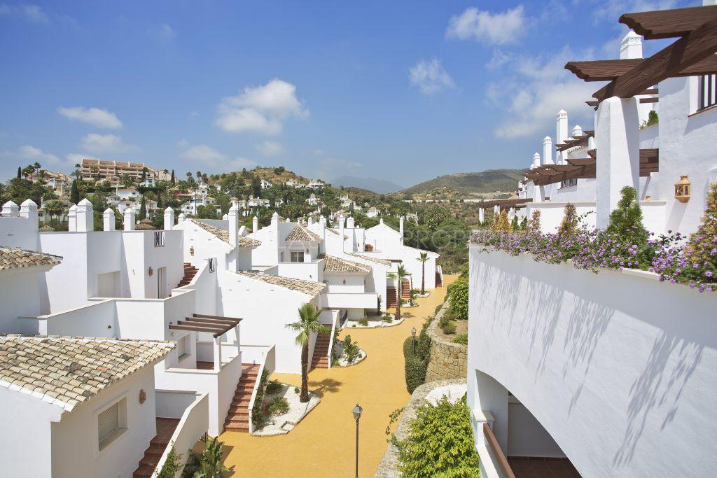 New Development - Apartamentos y Aticos en Nueva Andalucia