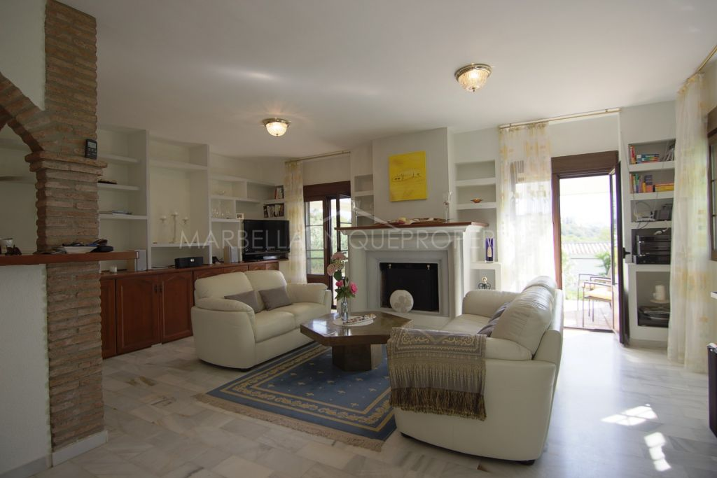 Delightful 2 bedroom apartment in Forrest Hills, Estepona