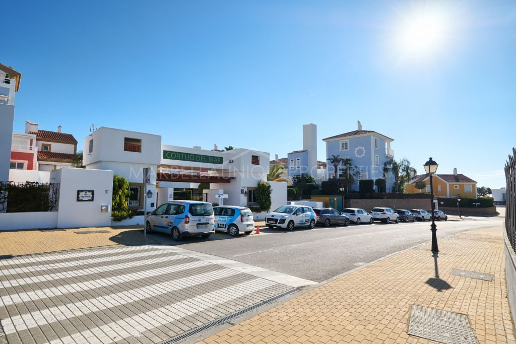 Charming 2 bedroom ground floor apartment in Cortijo del Mar, New Golden Mile