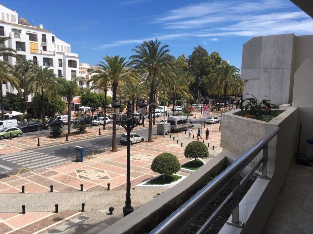 Appartement rez de chaussée en vente à Playas del Duque, Marbella