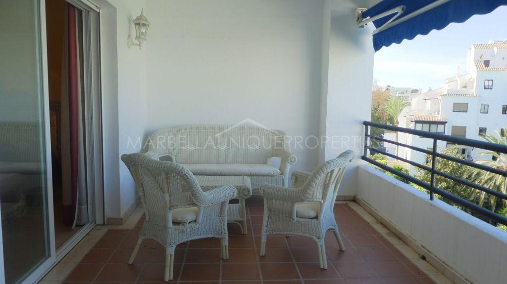 Wonderfully located 2 bedroom apartment in Terrazas de Banus, Puerto Banus