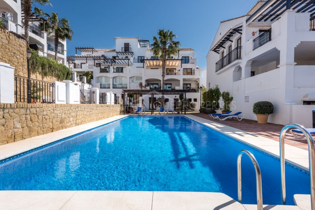 Wonderful apartment with incredible sea views in Los Altos de los Monteros