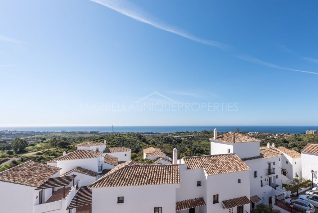 Wonderful apartment with incredible sea views in Los Altos de los Monteros