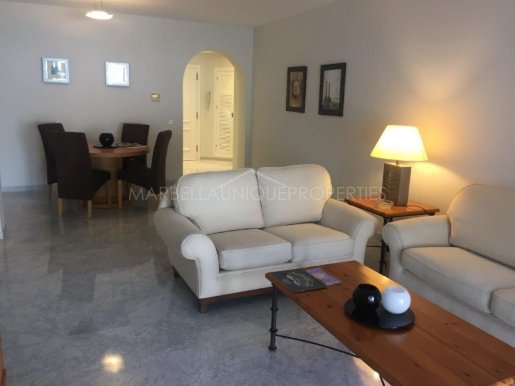 A groundfloor 2 bedroom apartment in Las Gaviotas Puerto Banús