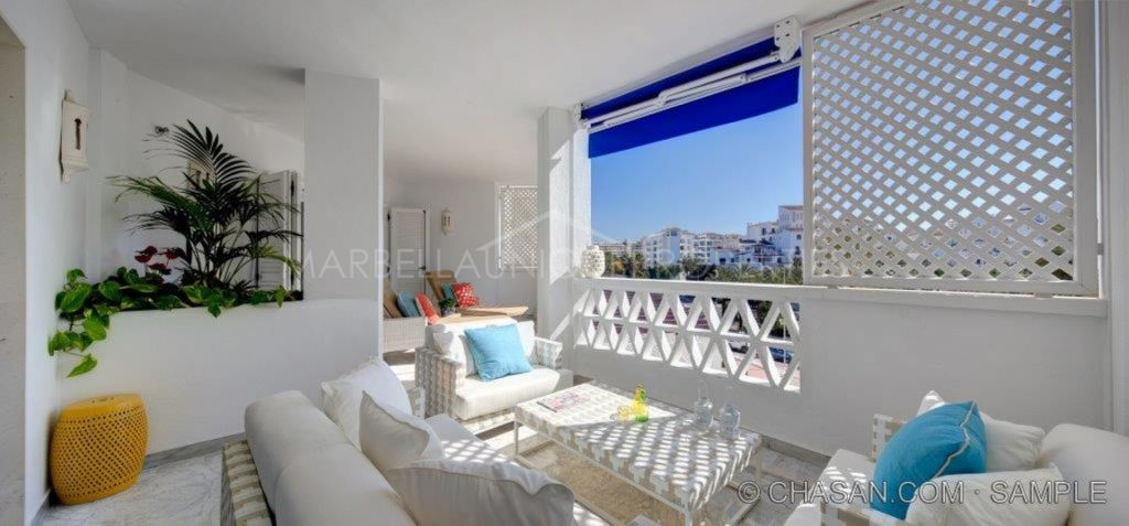 A beautiful 3 bedroom apartment in Las Gaviotas Puerto Banús
