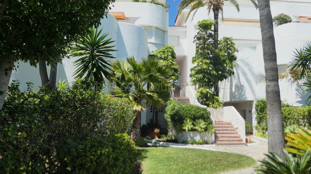 Un impresionante apartamento de 2 dormitorios en Ancon Sierra IV, The Golden Mile