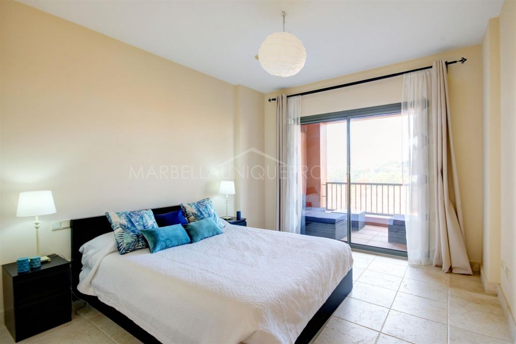 A Beautiful 2 bedroom apartment in Benatalaya, Estepona
