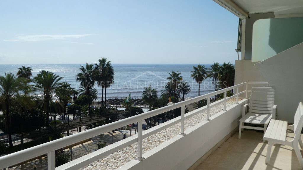 A stunning 3 bedroom apartment in the heart of Marbella town