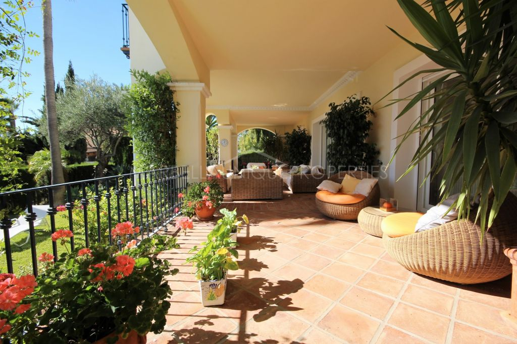 A magnificent 5 bedroom Andalusian style villa in Sierra Blanca