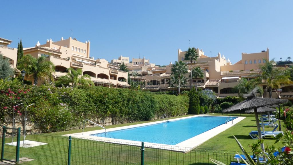 A stunning 2 bedroom apartment in Santa Maria Village, Elviria.