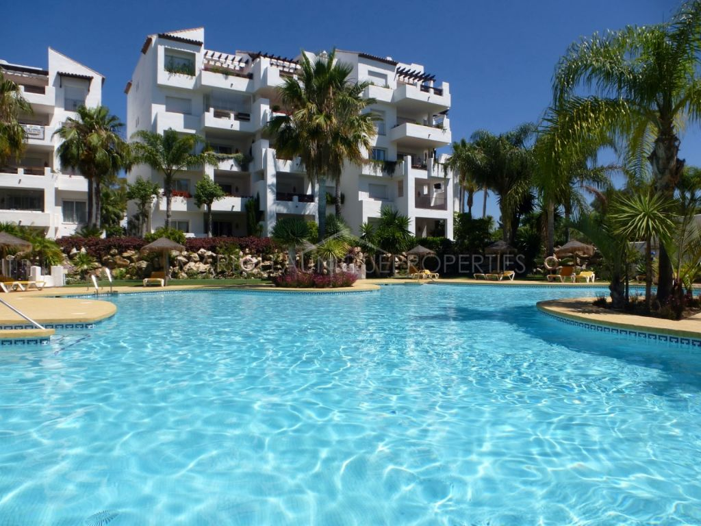 A spacios 3 bedroom apartment in Costalita, Estepona