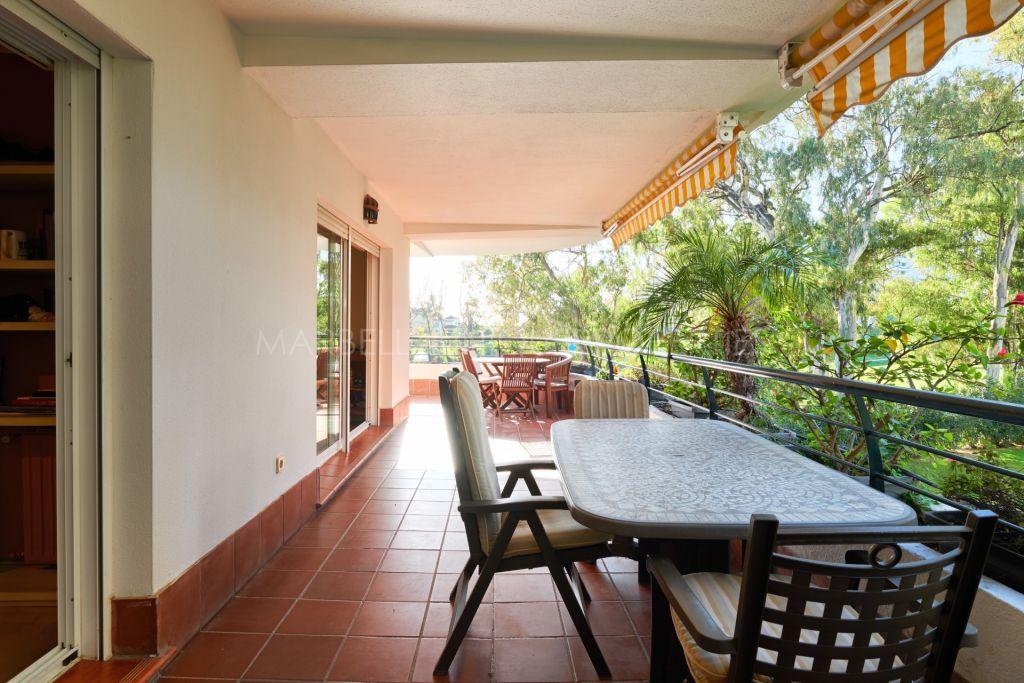 A spacious 4 bedroom apartment in Hacienda Guadalmina, Guadalmina Alta
