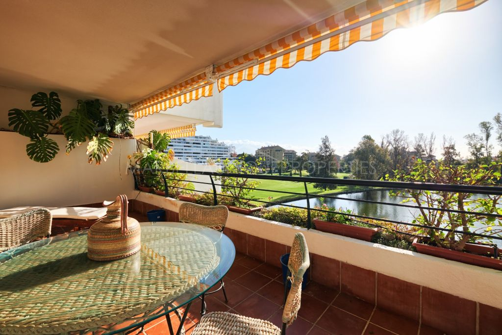 A spacious 4 bedroom apartment in Hacienda Guadalmina, Guadalmina Alta