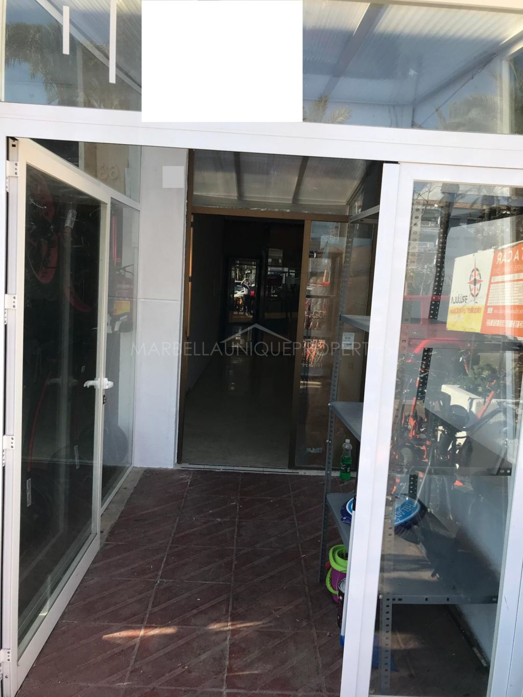 Central commercial premises in Puerto Banus