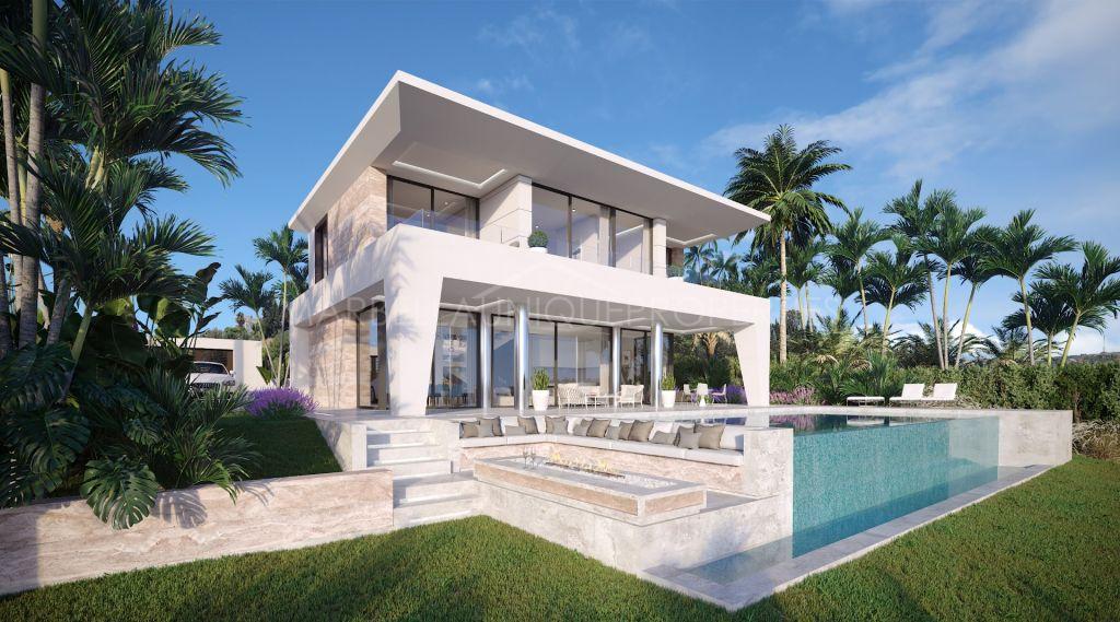 A brand new 3 bedroom modern villa in La Duquesa