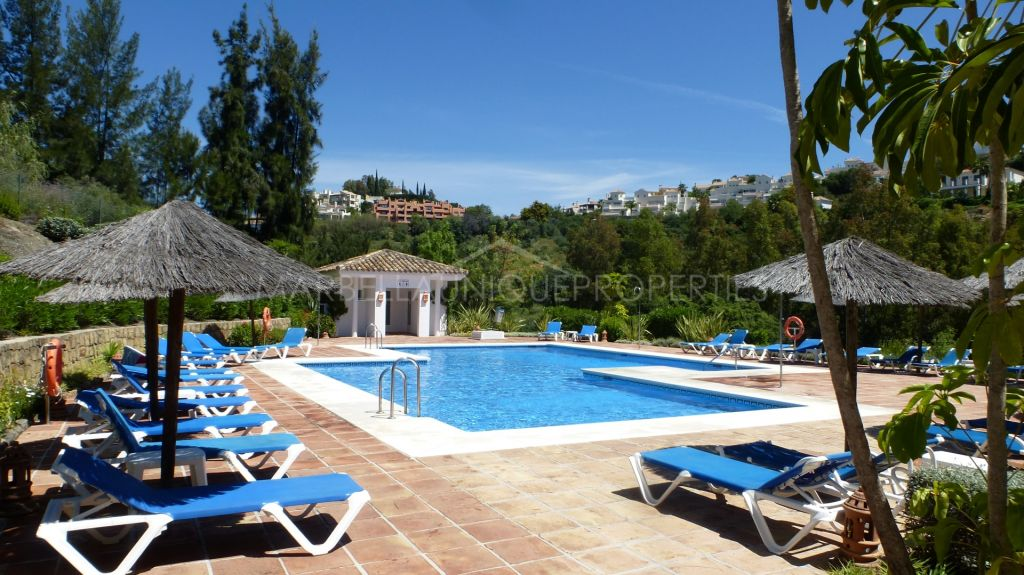 A charming 3 bedroom penthouse in Los Arqueros, Benahavis