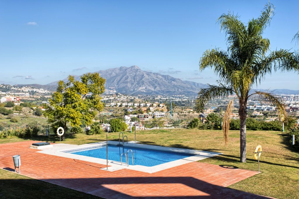 A beautifully presented modern townhouse in La Alqueria, Benahavis